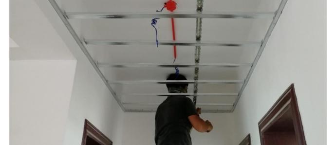 吊顶上竟然还能荡秋千!